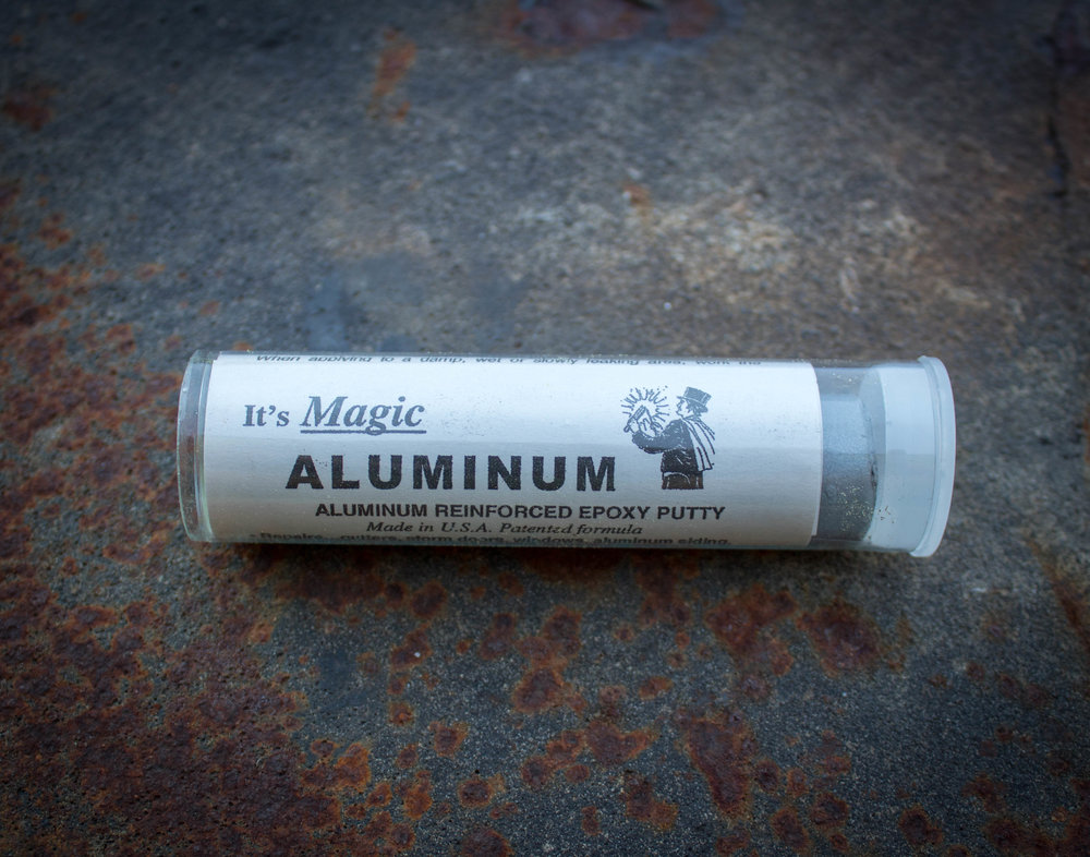 - Magic Metal™ AluminumAluminum Enforced Epoxy Resin repairs gutters, storm doors, windows, aluminum siding, boats, RVs, machine parts, air conditioners, wheels, tanks, castings & pipes. Fill cracks & holes.