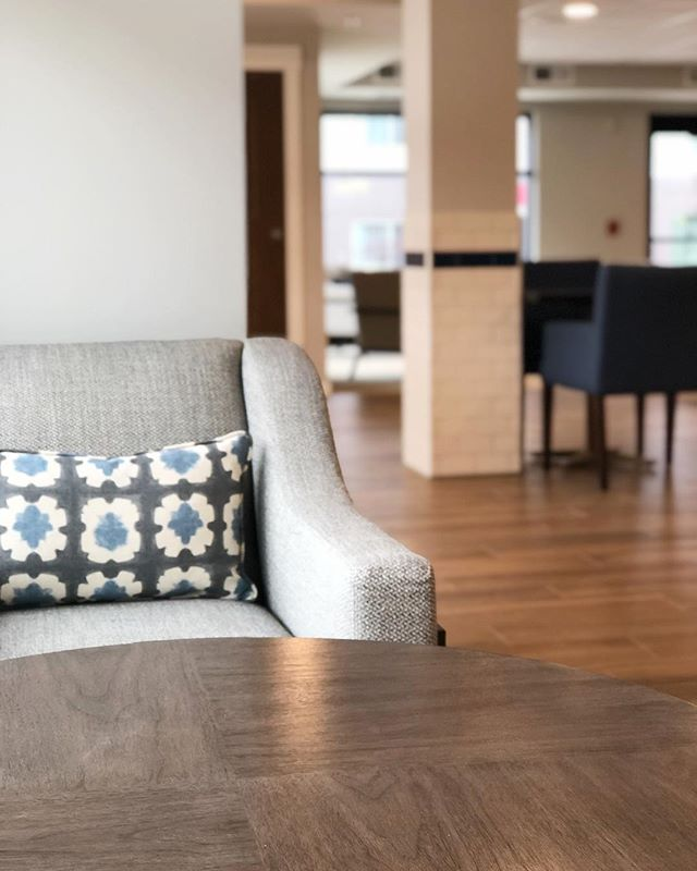 This lounge chair and accent pillow from last week's installation of the Waters of Oak Creek gives us 😍! 💕xo, RLH!  #installation #commercial #interiordesign #minneapolisinteriordesign #oakcreek #wisconsin #cafe #thewatersofoakcreek