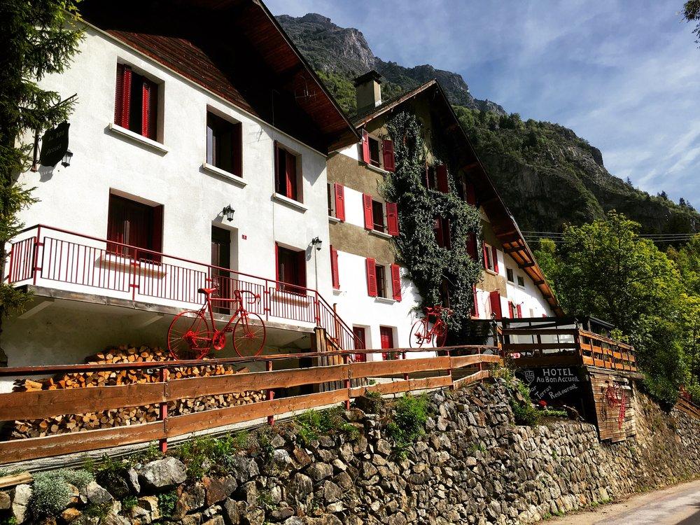 Hotel Au Bon Accueil  Un hôtel montagnard authentique au coeur des Alpes françaises   RÉSERVER