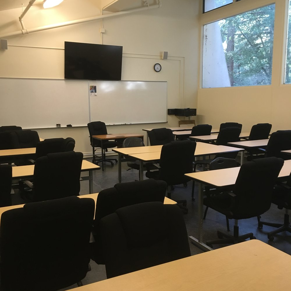 B201 Classroom - Off-campus user:$150/DayOn-campus user:$100/Day