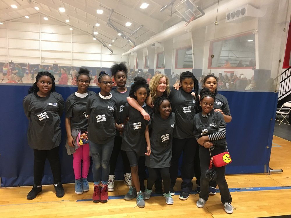 Patrick Henry DIG it! Team - Located downtown St. Louis, MO. The Patrick Henry's DIG it! Volleyball team consists of 4th-6th grade girls. Patrick Henry has been part of the DIG it! Program for the last 5 years!