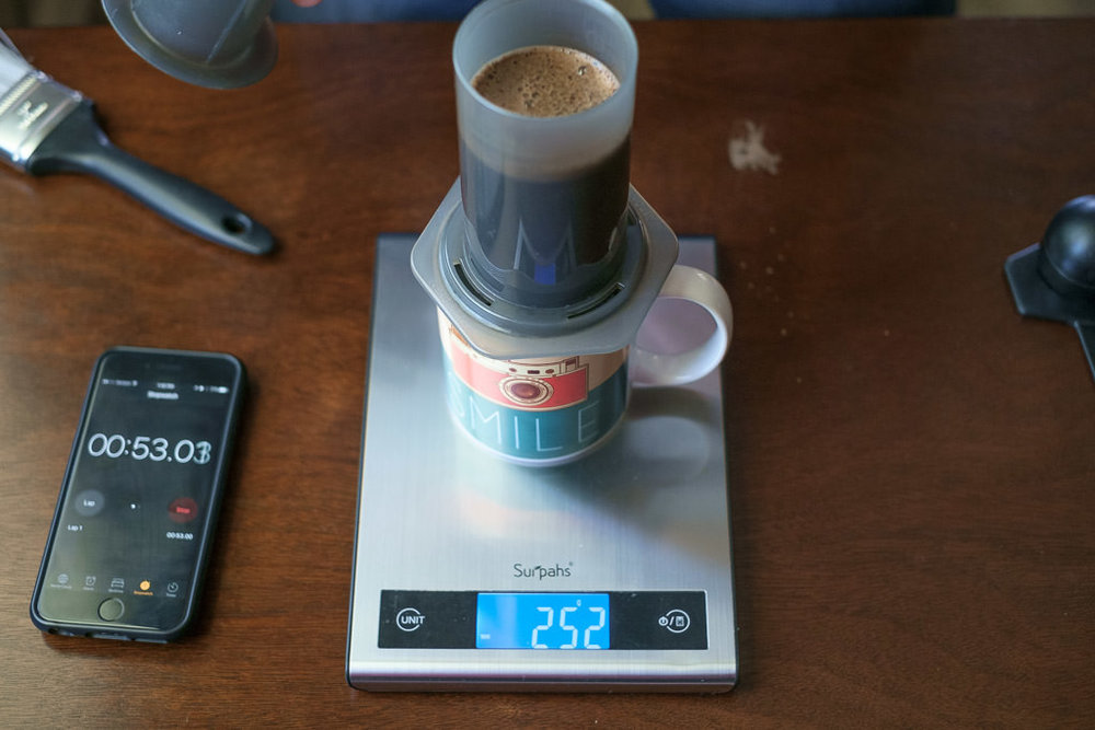 HandsomeWade-Aeropress-Brew-Method-35.jpg
