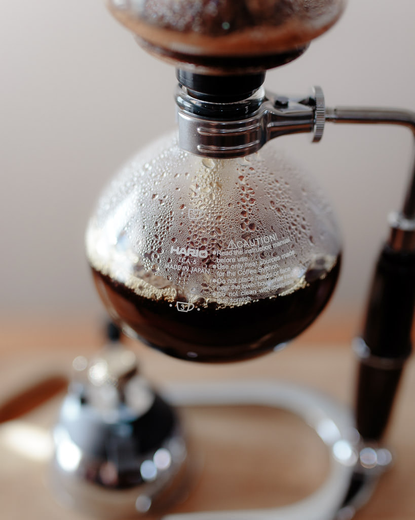 Vapor pressure coffee brewing method