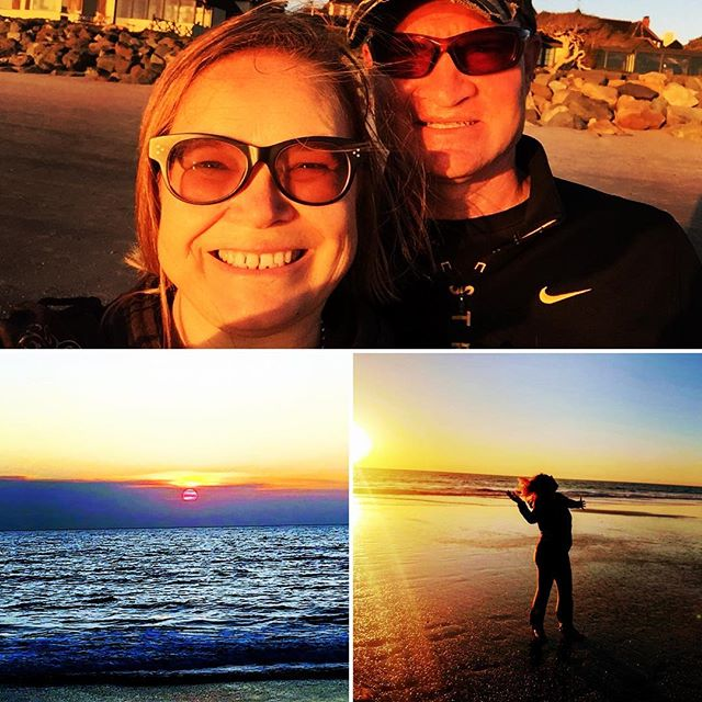 Ahhh... sunset over the Pacific, strolling hand in hand on the beach, moving to the sounds of the waves... I'm deeply grateful to have chosen to live in a place I consider paradise. And to have created a marriage which is a true partnership between two adults who give each other the space to be themselves. I promissed myself to savor more. To enjoy more. To share my bliss more. Here we go. May you live your dreams and enjoy your journey getting there! 🌴🌸💋🏝🧘🏼‍♀️🦄✨🧠🏄🏻‍♀️🌺😍