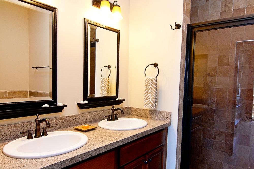 Villa 54 Bathroom.jpg