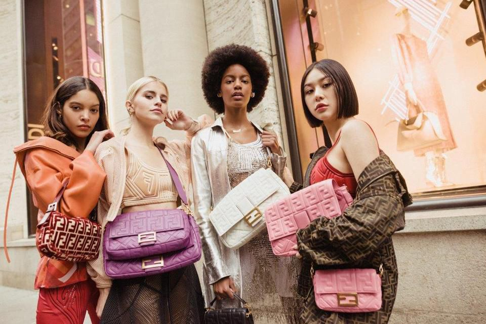 https___blogs-images.forbes.com_barrysamaha_files_2019_02_Fendi-baguette-bag-history-new-york-fashion-week-2019-party-4.jpg