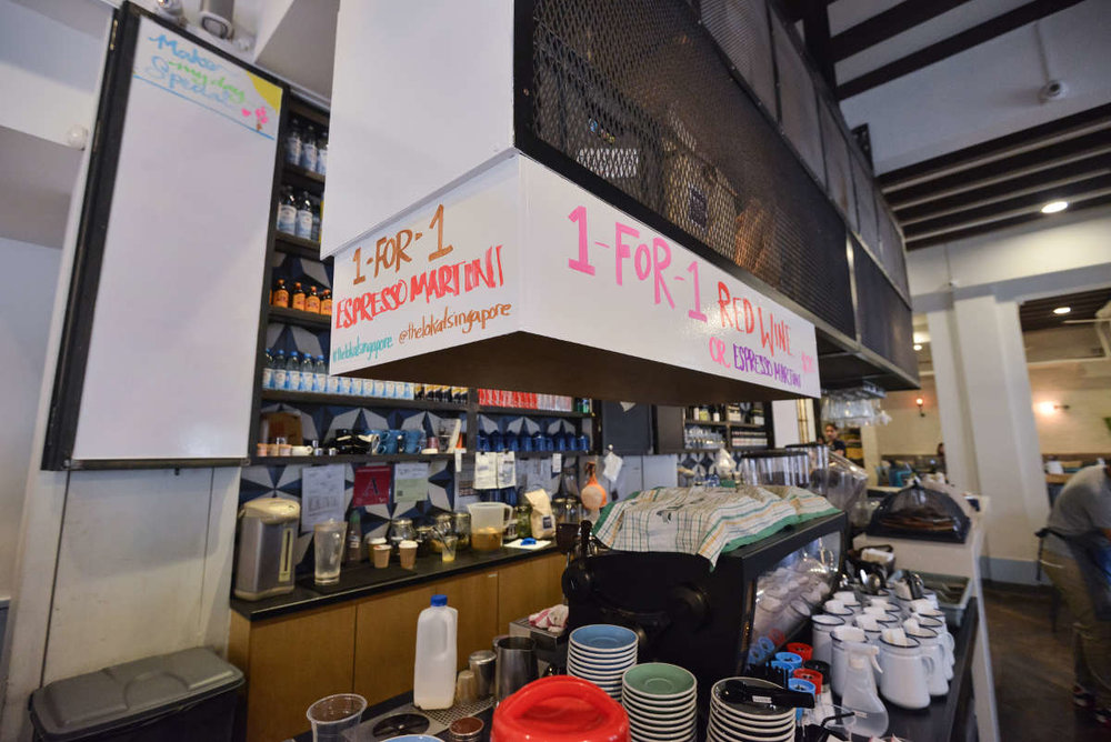 The LoKal @Neil Rd - IdeaPaint helps build character at this Aussie cafe in Singapore.
