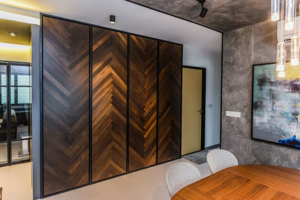 Private Residence - Armourcoat wall & ceiling seamless finish, with black oak herringbone wall panel.