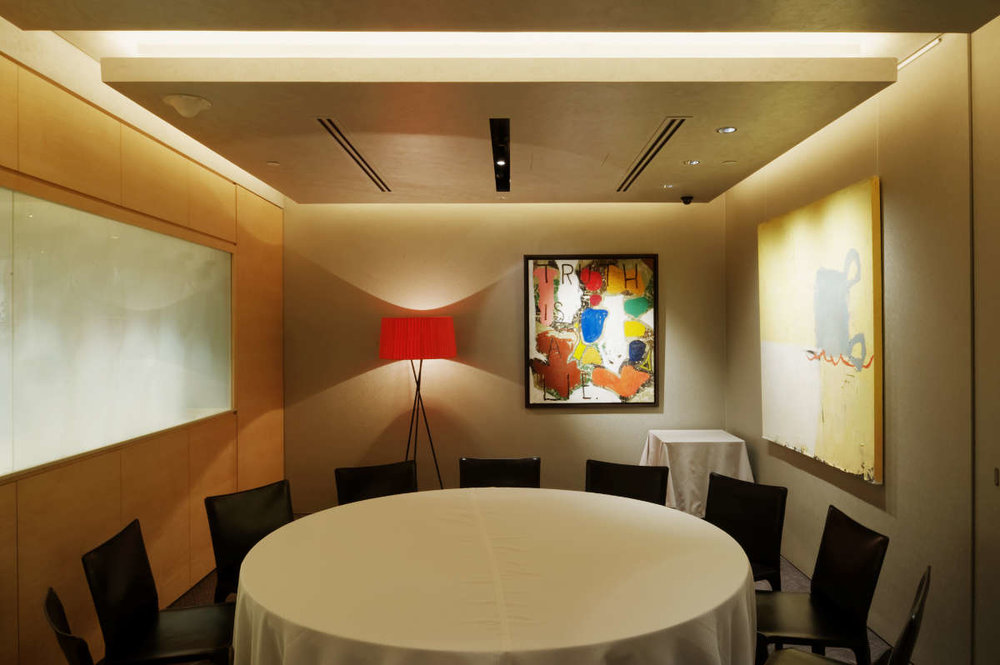 Iggy's Restaurant- Armourcoat on walls and Perlata on ceiling