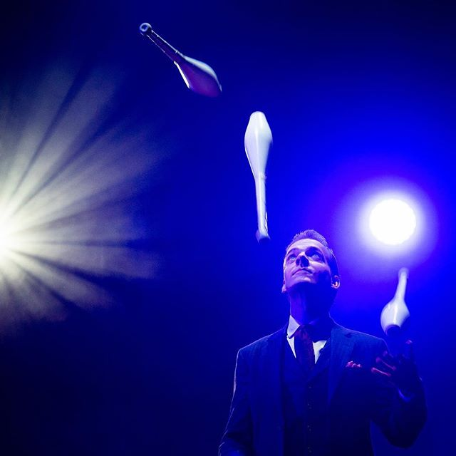 Juggling 2 shows on this final day of our @edinburghschristmas season!