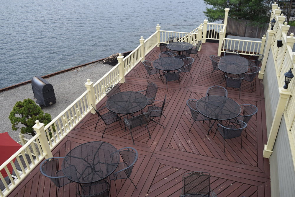 snug-harbor-patio-dining-deck.jpg