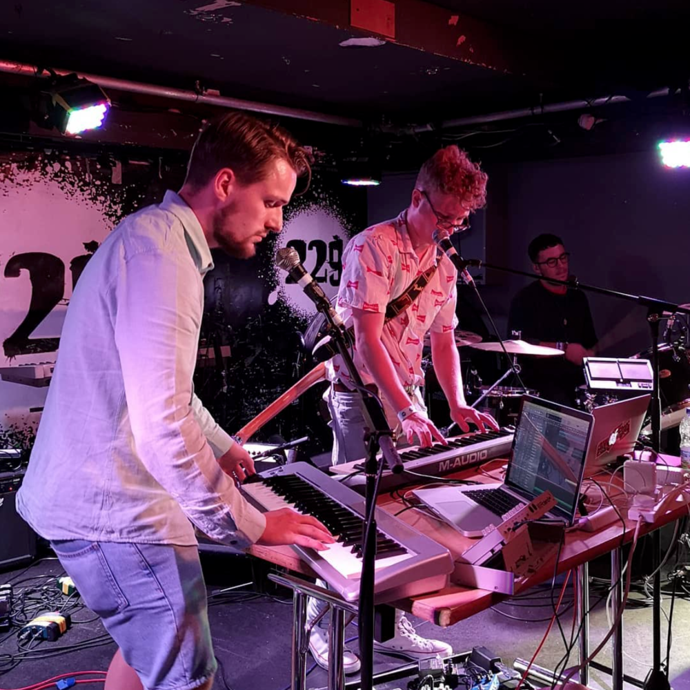 Left: Jonny / Centre: Josh - IVERSEN live at Retro Future Fest 2