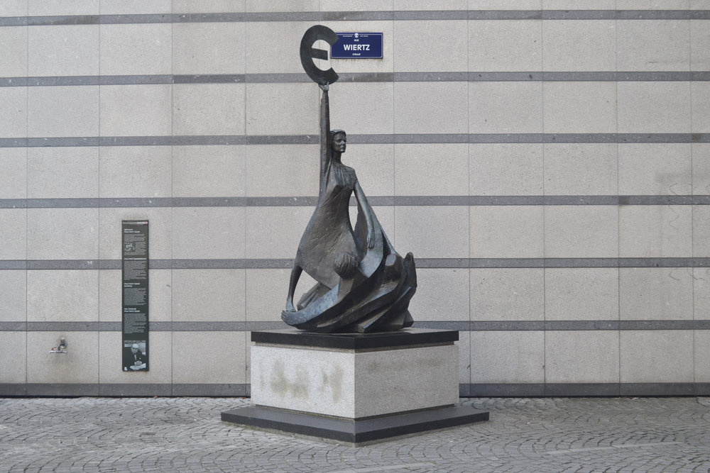 Statue of Europa holding the Greek Espilon by the Protocol Entrance