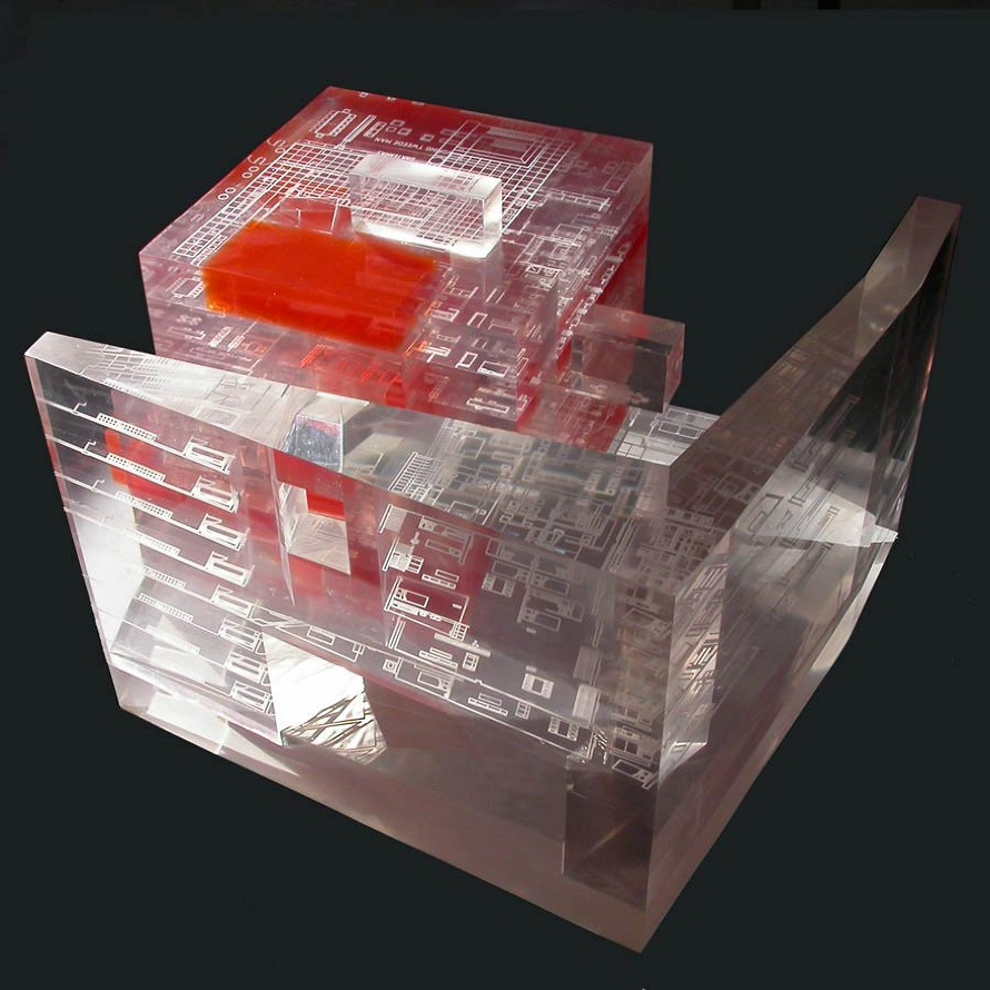 Perspex model showing the cube and L shaped wall forms (Source: Office for Metropolitan Architecture)