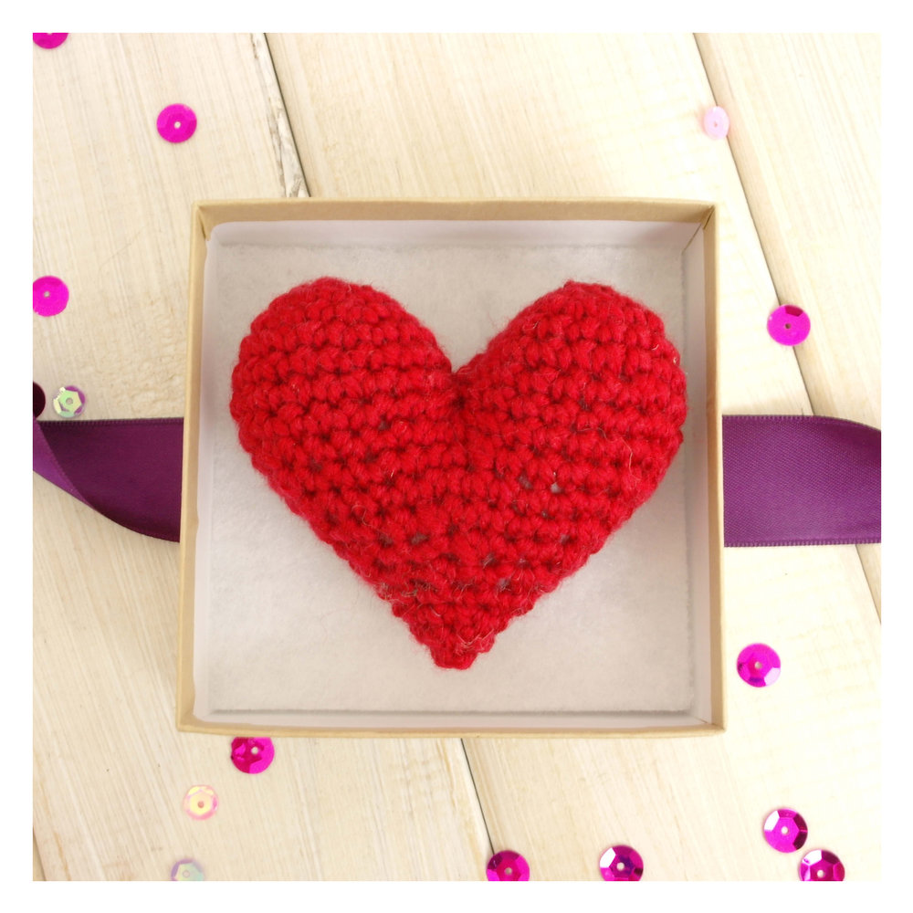 chi-chi-moi-crouchet-heart-red-valentines-day-with-box-1.jpg