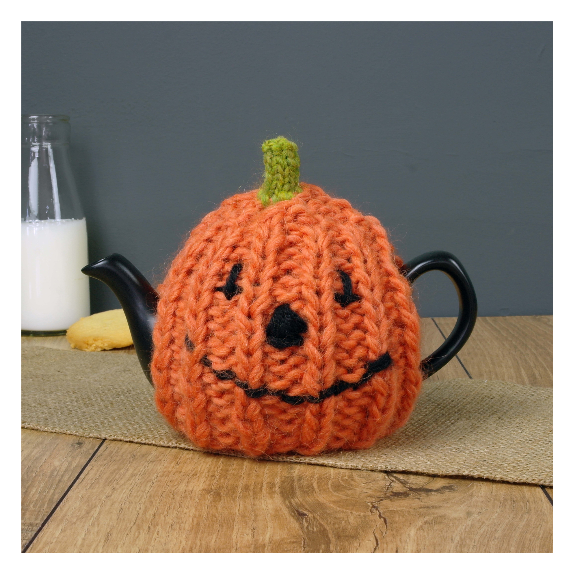Chi-Chi-Moi-Halloween-Knitted-Pumpkin-Tea-Pot