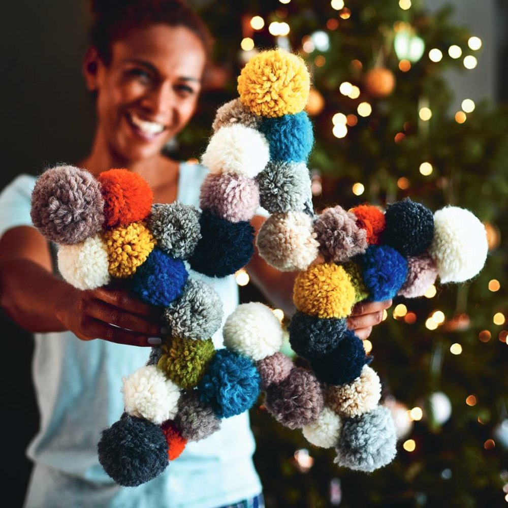original_pom-pom-star-wreath.jpg
