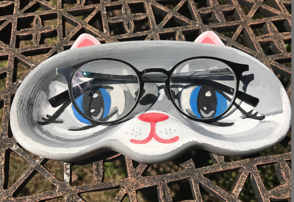 Do you wear glasses? Do you even have a glasses holder for your desk? Do you even lift? JK, These custom painted eye glass holder for your desk could be one of the cutest things you never heard of... Have we even sold one yet? No, but who's counting... (We are) You could be our first! (High five!) Thanks friend:    https://www.etsy.com/listing/542785266/glasses-holder-glasses-kitty-cute-meow?ref=shop_home_active_25