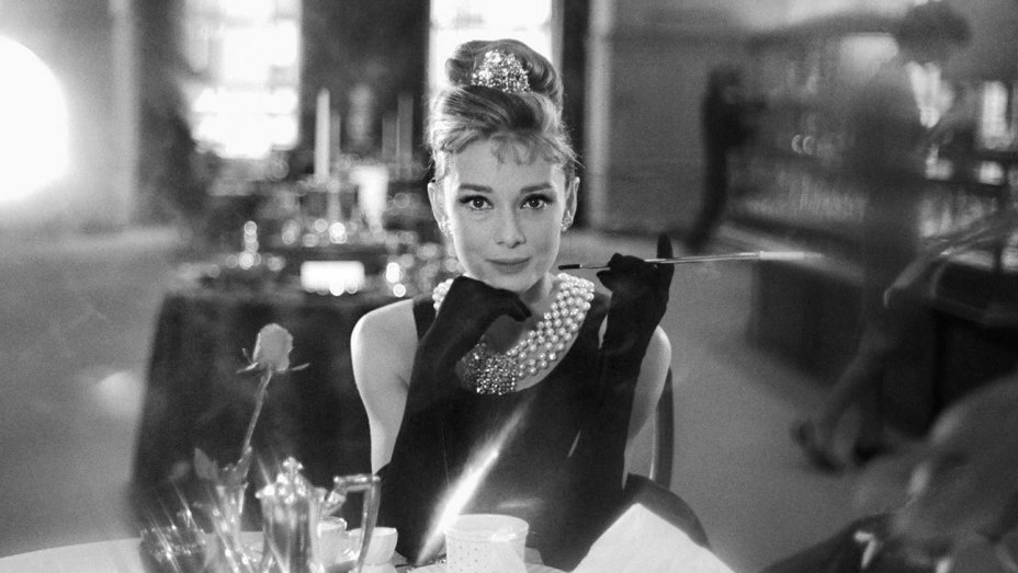 breakfast_at_tiffanys_still_4.jpg