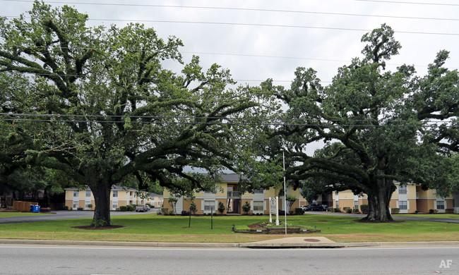 Twin Oaks Exterior.jpg