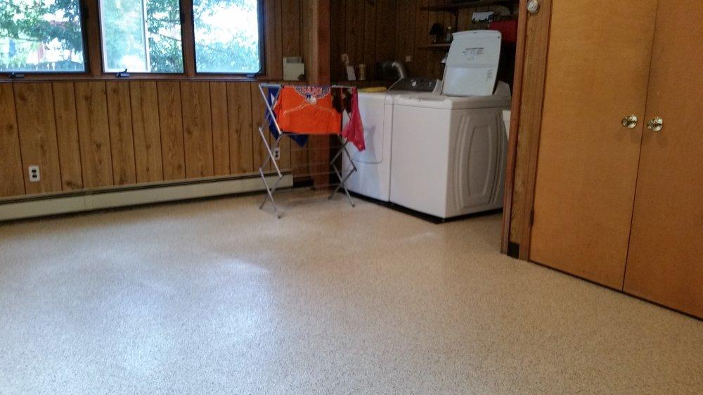 Garage concrete floor with polyurea / epoxy coating example