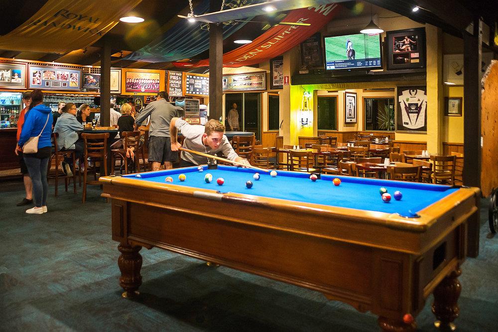 Bar & Garden Bar -