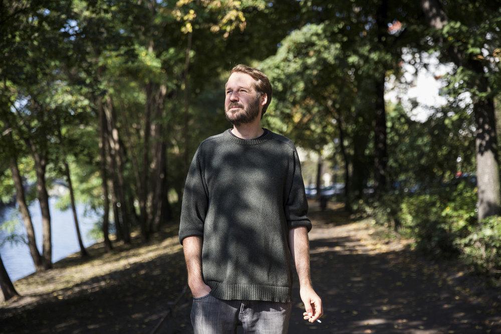 Gisbert zu Knyphausen, musician.  Die tageszeitung, 2017.