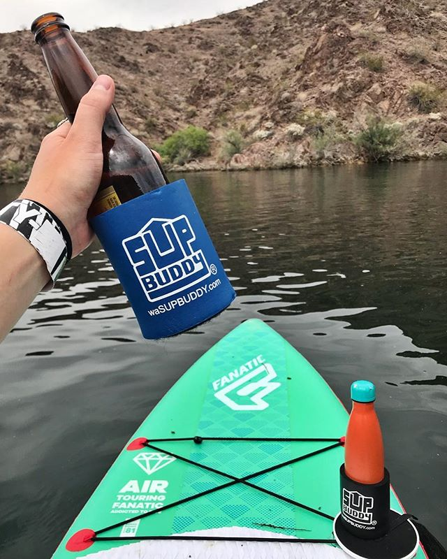 Hot days on the lake call for extra hydration! Keep your bevy's cool and close with #SUPBuddy! . . . #SUP #Standuppaddle #ride #lakemohave #arizona #nevada #desertparadise #getoutside #adventure #livetoride #sundayfunday #cheers