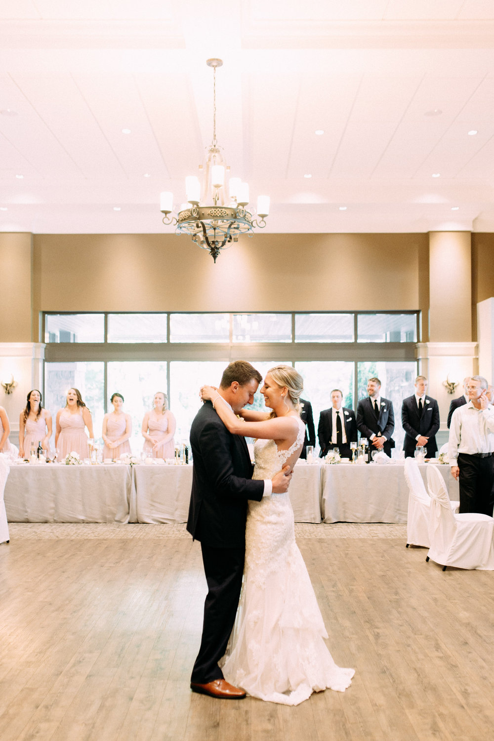 romantic first dance photography