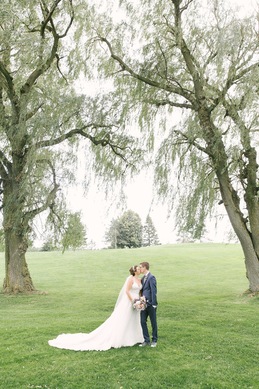 Flamborough Hills Golf Club Wedding | spunkysapphire.com