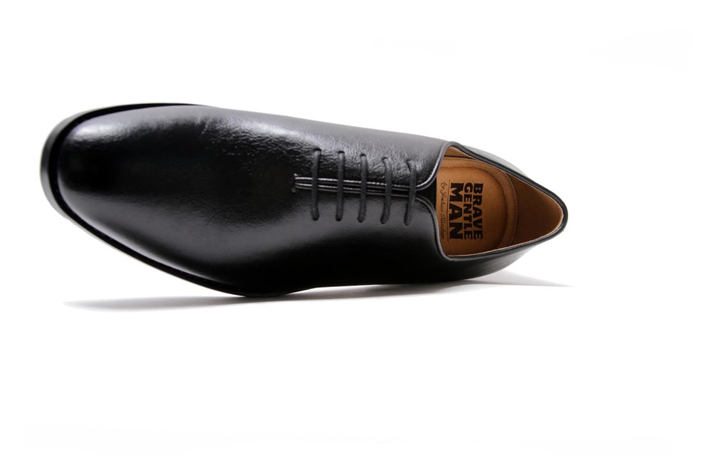Brave Gentleman - Signature collection shoe in hi-tech vegan leather.