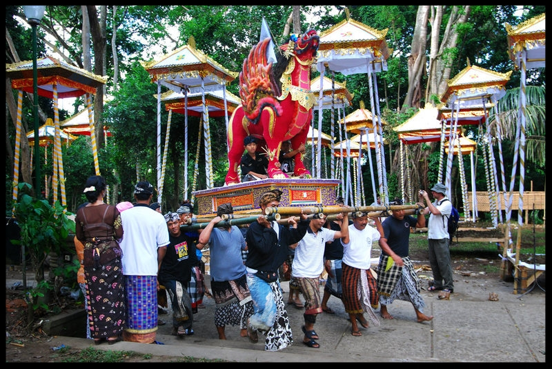"""The Balinese Cremation Ceremony Admired by David Bowie - BY JESSIE GUY-RYAN JANUARY 31, 2016(Above-A Balinese funeral procession. Photo: Flickr/William Cho)Bowie's appreciation of Bali, and Indonesia as a whole, can be traced back to a trip he took with friend and collaborator Iggy Pop, which was recounted in the 1984 song """"Tumble and Twirl."""" The lyrics don't indicate that Bowie had the opportunity to observe a Ngaben—the traditional Balinese cremation ceremony he was likely referring to in his will—but it's no surprise that he admired this beautiful and...Read more"""