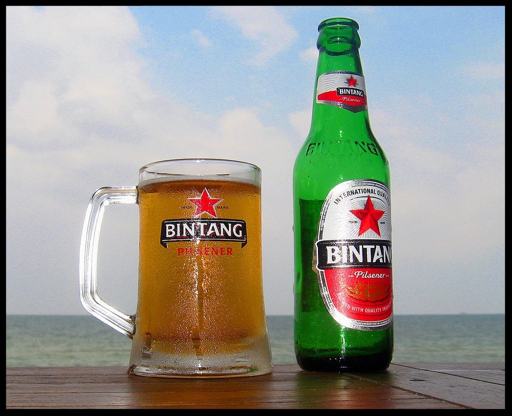 1024px-Bintang_Beer_by_the_Beach.jpg