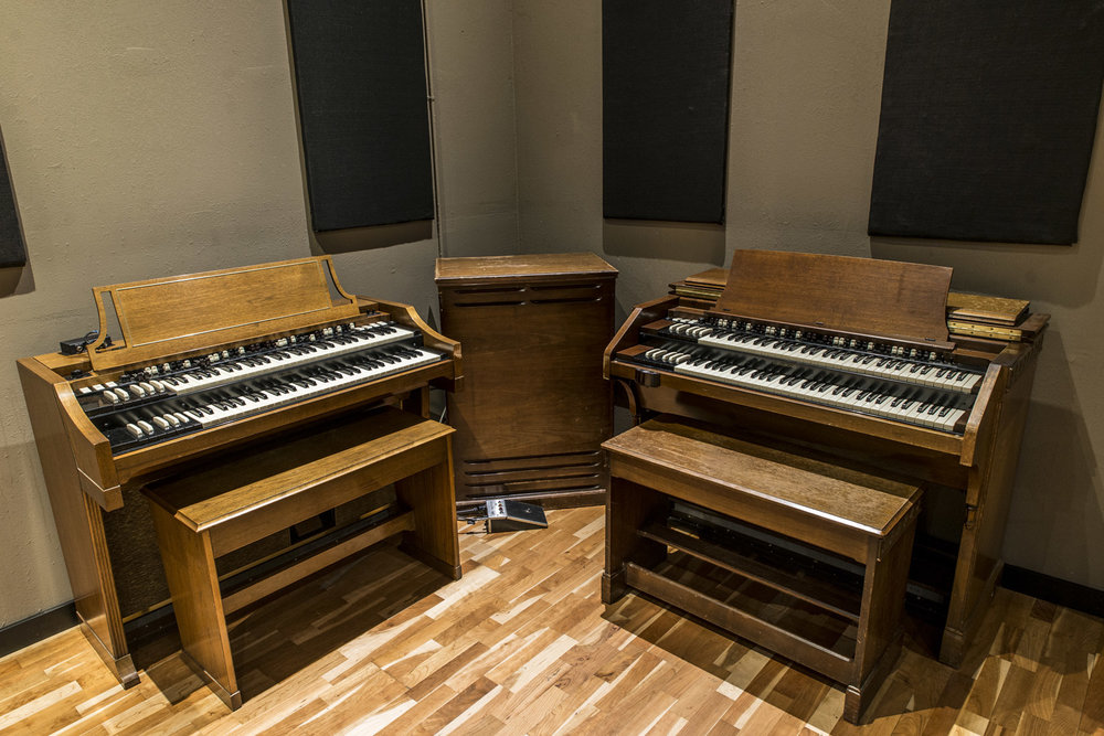 Hammond Organ with Leslie Speaker