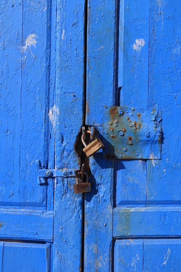 Main banner blue door .jpg