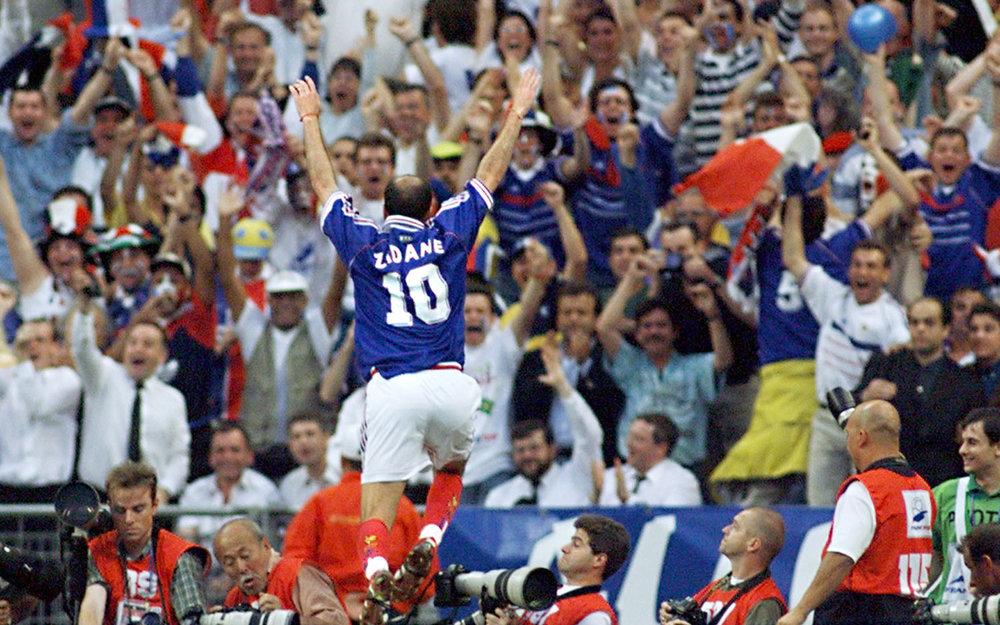 zidane-vault-lead-france-1998.jpg