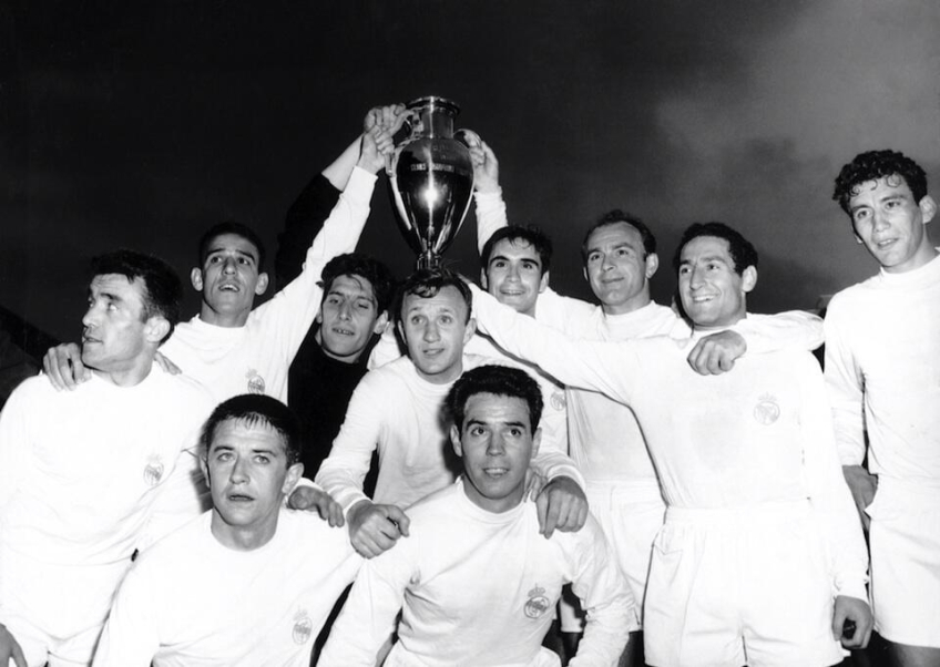 Real Madrid with the European Cup of 1960