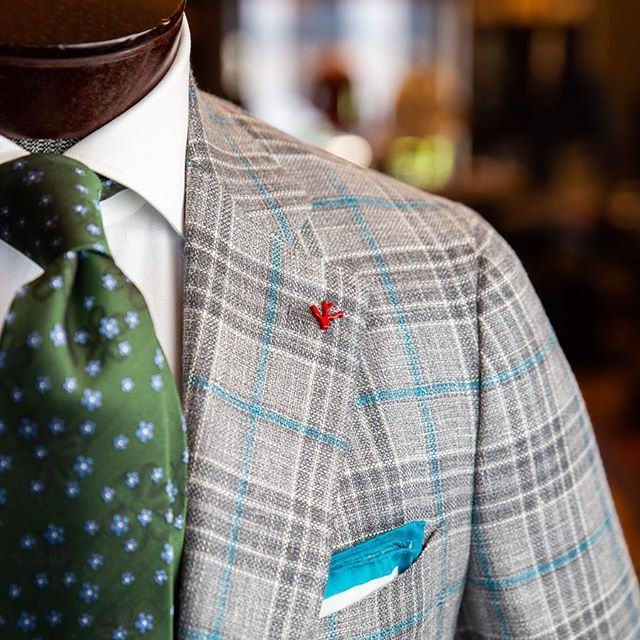 @isaia offers world class Italian style using only the best fabrics and materials. Join us in welcoming them this Friday and Saturday for a trunk show you won't want to miss. Meet their national sales manager and experience all the brand has to offer!  #vsco #vscocam #menswear #mensstyle #mensfashion #Italianstyle #italianfashion #charlottefashion #cltfashion #charlottesgotalot #704lifestyle #boutique #mensboutique #cltboutique #haberdashers #charlotte #charlottenc #springstyle #springfashion