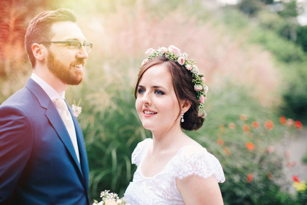 holly & eamon - ROYAL BOTANICAL GARDEN WEDDING