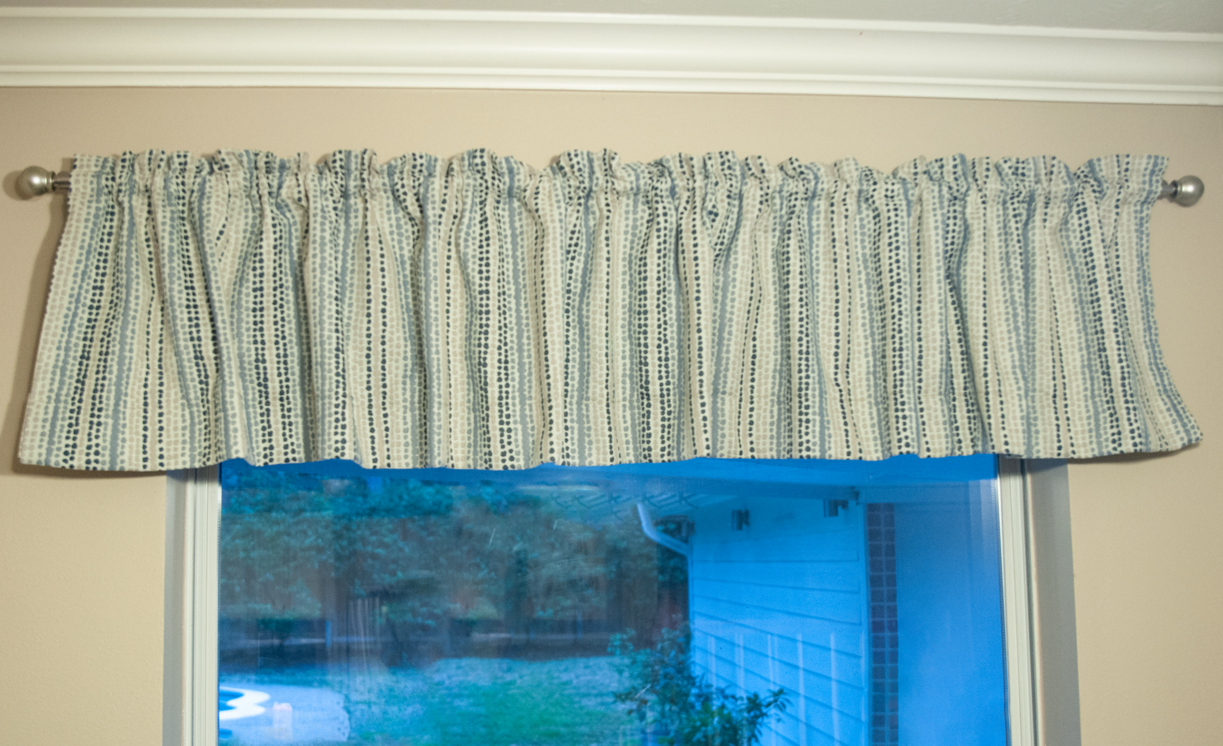 How To Make Valance Curtains The Diy Dabbler