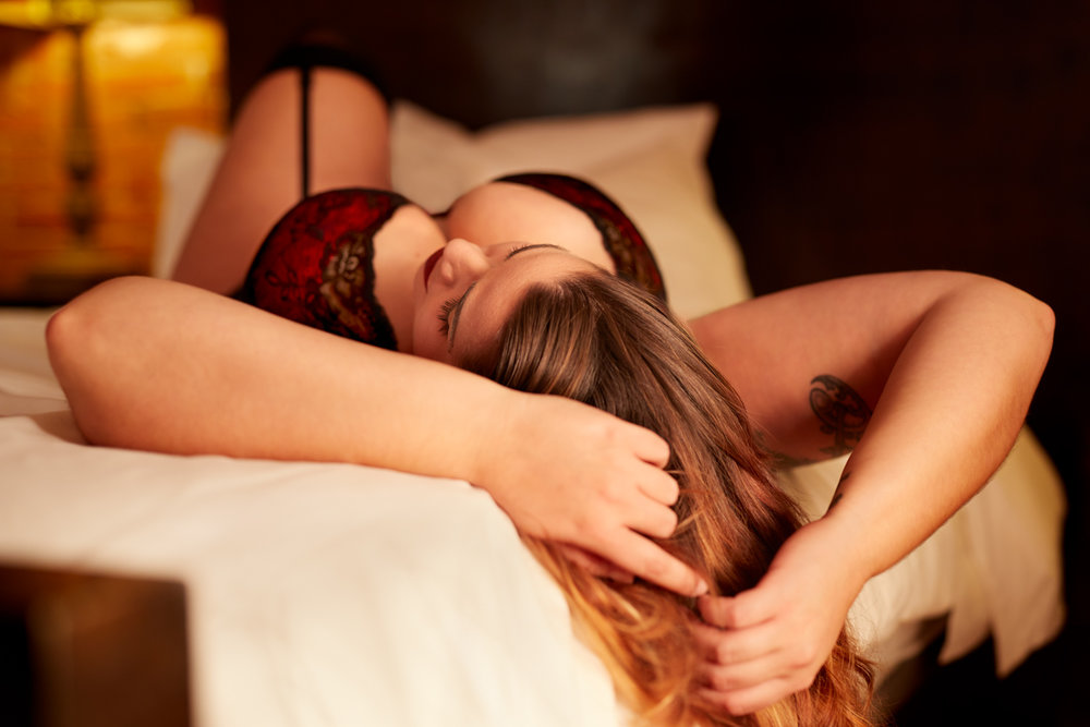 15-stunning-unabashed-beauty-toronto-hotel-boudoir-classy-tasteful-upscale-luxury-high-quality-elegant-luxurious-curvey-curves-lingerie-bodysuit-hair-sexy-fine-art-nude-naked-privacy-private-photographer-photography-images-pictures-for-sale-barrie.jpg