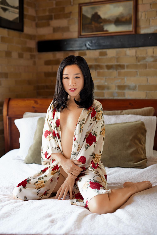 3-beautiful-curves-woman-photography-celebrate-curves-empowerment-boudoir-photographer-smile-laugh-joy-elegant-images-stunning-lingerie-bra-underwear-stockings-garter-intimate-private-luxury-glamour-session-hotel-studio-city-privacy-toronto-makeup-art.jpg