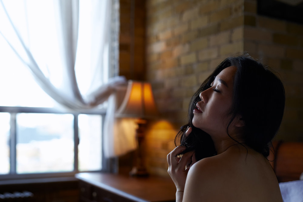 17-provocative-sensual-images-sexy-private-boudoir-photography-intimate-lifestyle-photographer-dark-moody-fine-art-pictures-arch-curve-pose-lighting-studio-house-home-indoor-bed-thong-underwear-lingerie-straps-strappy-playful-classy-beautiful-barrie.jpg