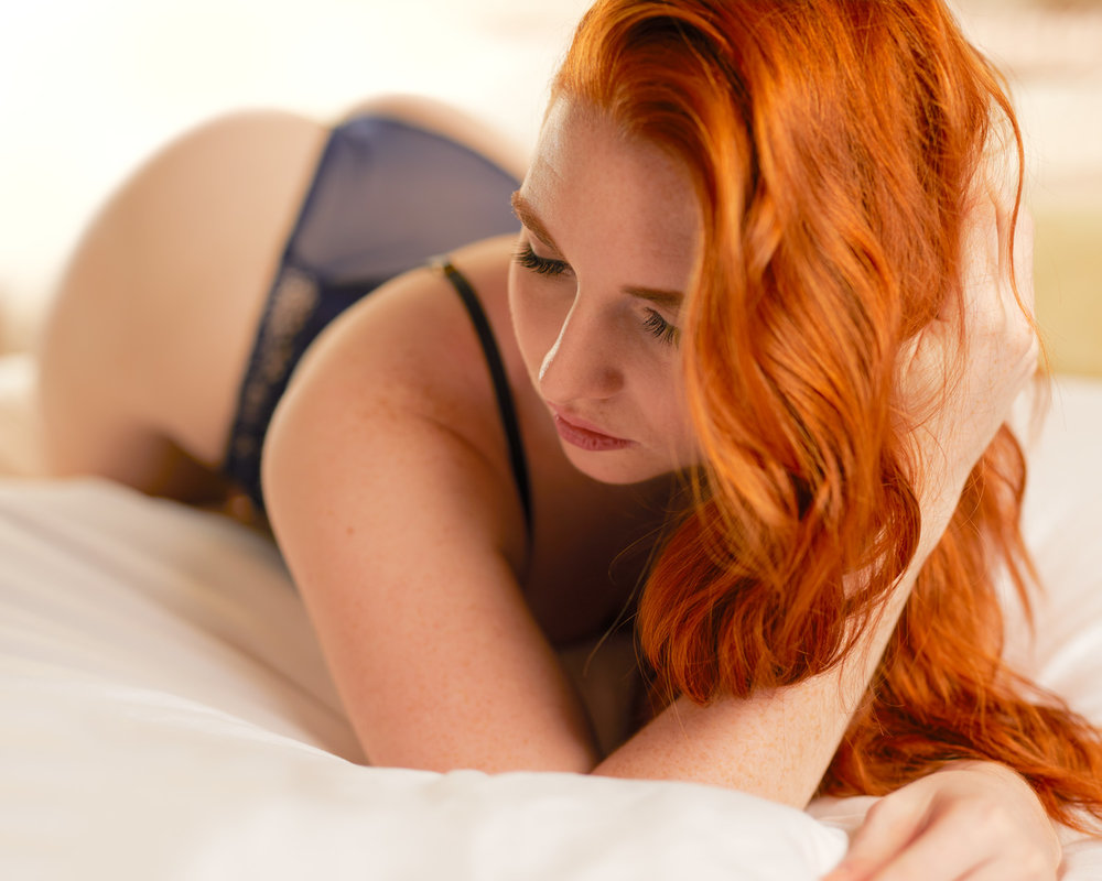 8-beautiful-redhead-portrait-portraiture-photography-session-services-mississauga-headshot-stunning-intimate-professional-studio-hotel-house-home-castle-location-private-hair-makeup-barrie-midland-orillia-schomberg-king-beeton-nobleton-klienberg-sexy.jpg
