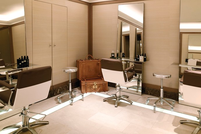 The David Mallett salon at the Ritz, Paris. Photo courtesy of David Mallett salon.
