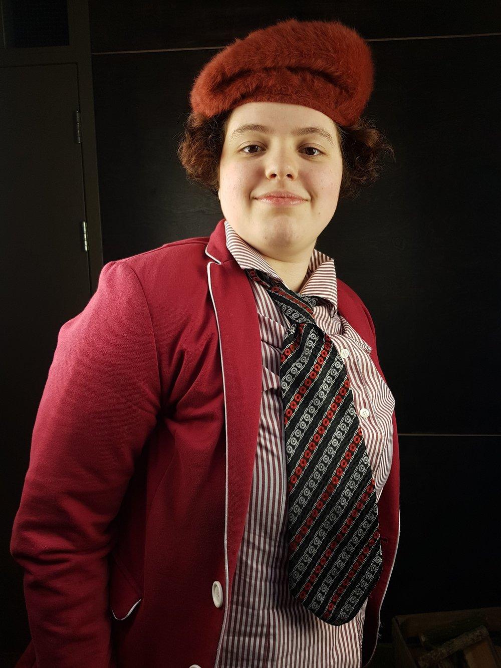 Shirley - sterk karakter, muzikaal genie en serieuze nieuwsmaakster.