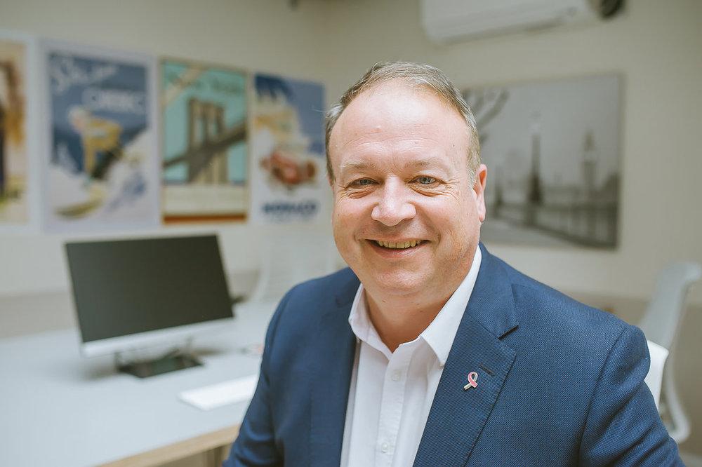 Howard Leach - Managing DirectorAbout Howard