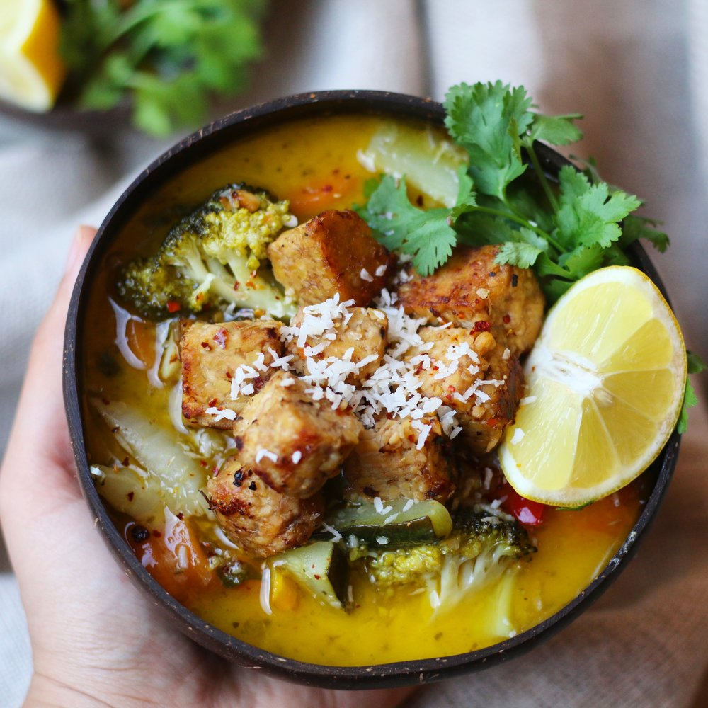 GREEN TEMPEH COCONUT CURRY