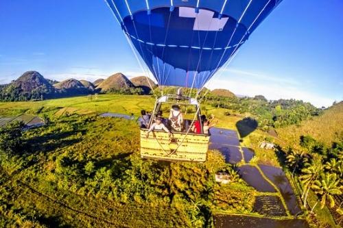 Chocalte HillsHot Air Balloon Tour -
