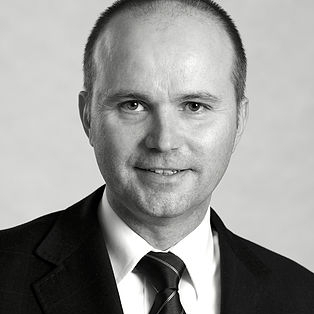 Gerhard Graf  Founder & Managing Director T +43 1 236 632 636 1 M +43 664 413 58 90  gerhard.graf@ros-management.com